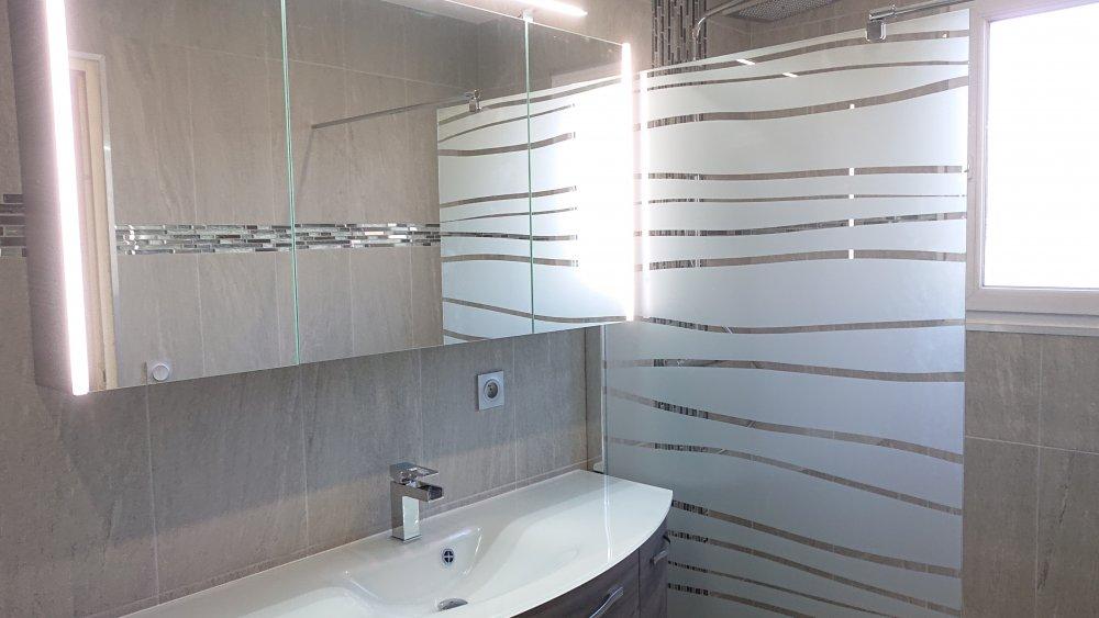 Réfection complète salle de bain création douche à l'italienne et WC suspendu