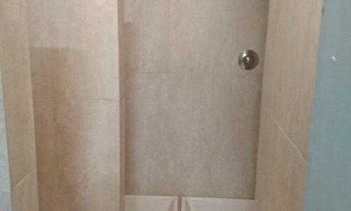 Salle de bain pour salle de sport à Toulon